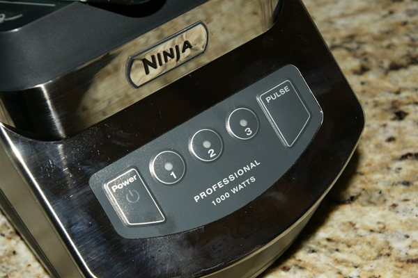 Ninja 1000 watt blender controls