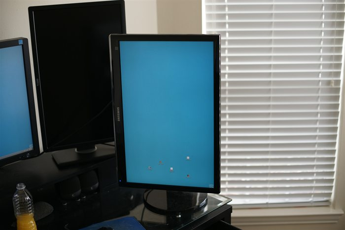 Samsung SyncMaster 2493HM LCD monitor