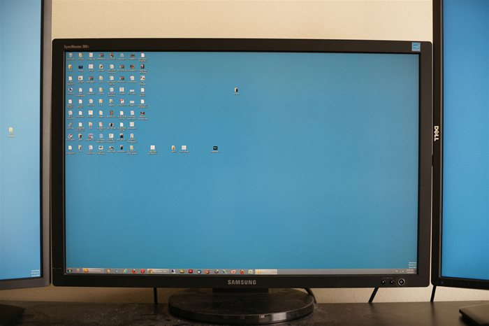 Samsung SyncMaster 305T 30 inch LCD monitor